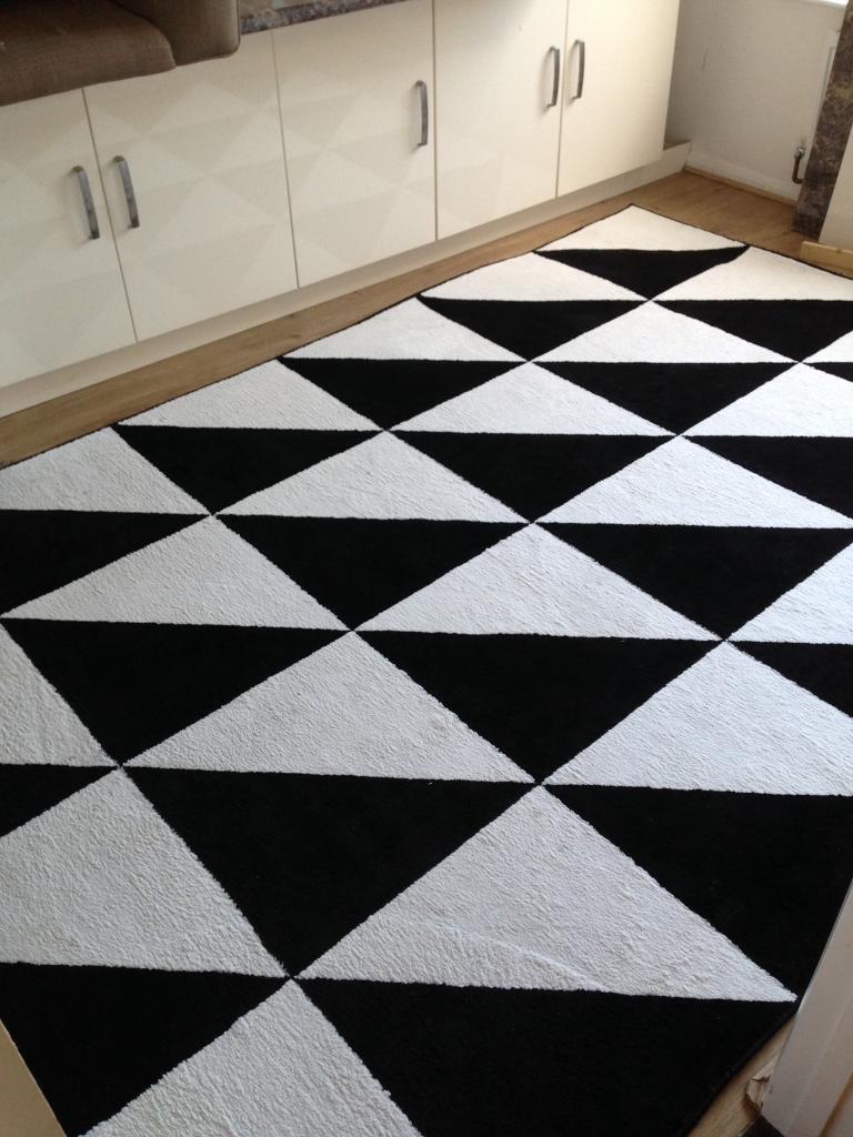 b w ikea sillerup rug large 2m x 3m vgc in emsworth hampshire gumtree. Black Bedroom Furniture Sets. Home Design Ideas