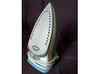 ALMOST NEW IRON + LITTLE IRONING BOARD ��10 ONLY
