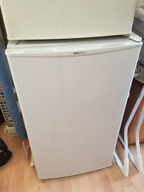 Perfectly working fridge selling due to moving