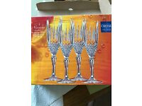 8 champagne flutes