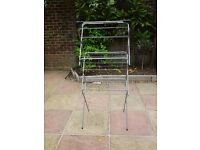 Clothes Airer, only used once, in very good condition