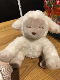 White noise lamb, new, never used, smoke and pet free house