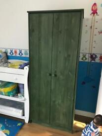 wooden wardrobe excellent condition for £5