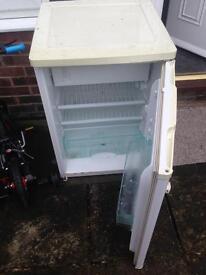 Fridge freezer- selling for spares/repair