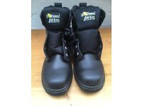 Size 8/42 steel toe cap safety boots.