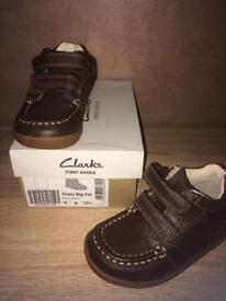 Clarks size 6G new