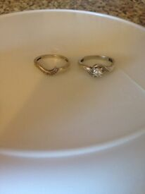 Engagement and wedding ring set size n good condition