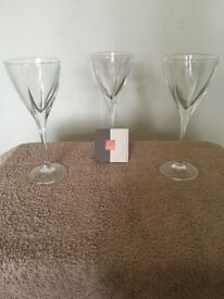 Set of 3 x RCR Crystal Fusion Red Wine Glasses 250ml - 21 cm high