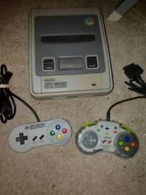 Super Nintendo snes console 2 controllers