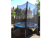 Trampoline 8 ft good condition