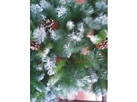 HIGH QUALITY 5FT ARTIFICIAL CHRISTMAS TREE LIGHTS AND BAUBLES