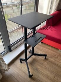 Adjustable Standing Desk - Pickup ONLY.