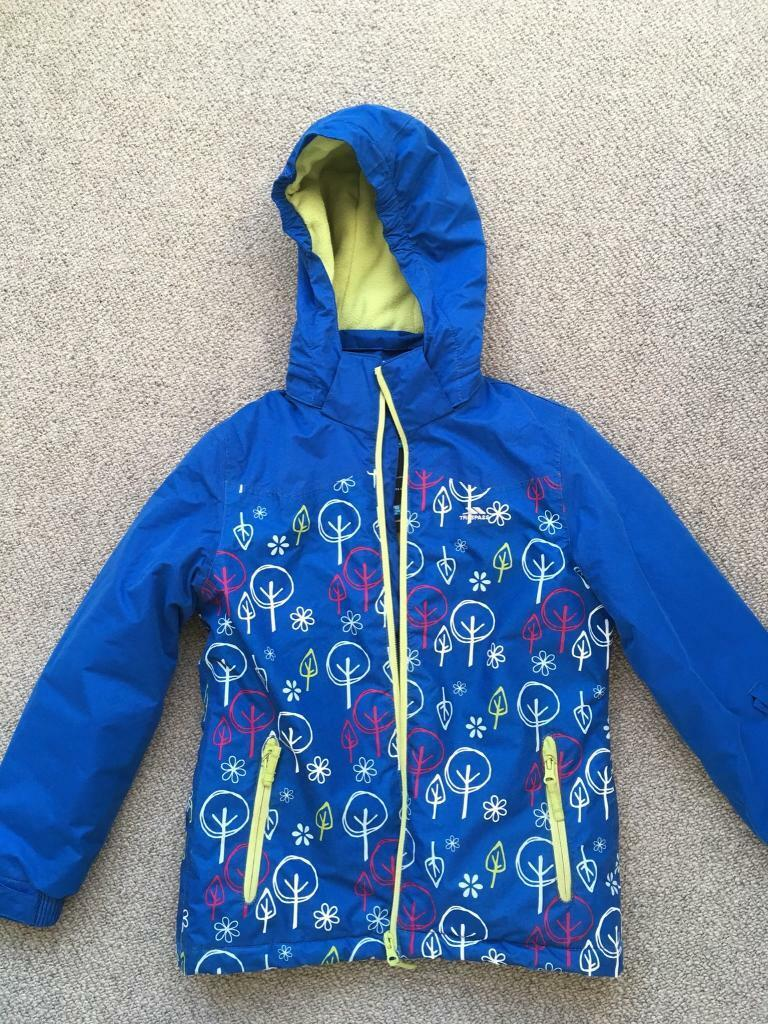Girls ski jacket age 7 to 8  05fdb1515