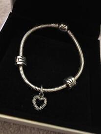 Pandora 17cm bracelet with beautiful heart charm