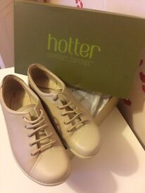 Hotters Beige Dew Shoes Size 4 only worn once with box