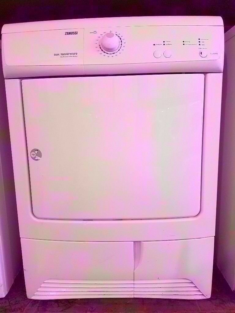 ZANUSSI 7kg - Reverse Action Dryer, Condenser, White in fully working condition