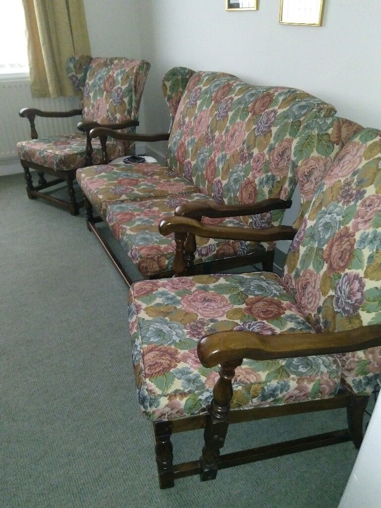 Old Cottage Style Furniture 2 Seater Sofa And Matching Chairs Well Used In Good Condition