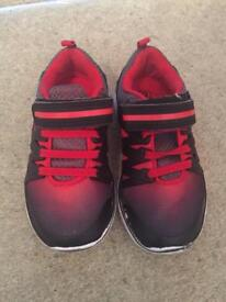 Young Boys Cat & Jack trainers size USA 9 (toddler)
