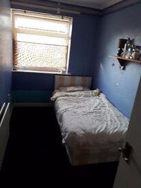 Single Room in Crawley