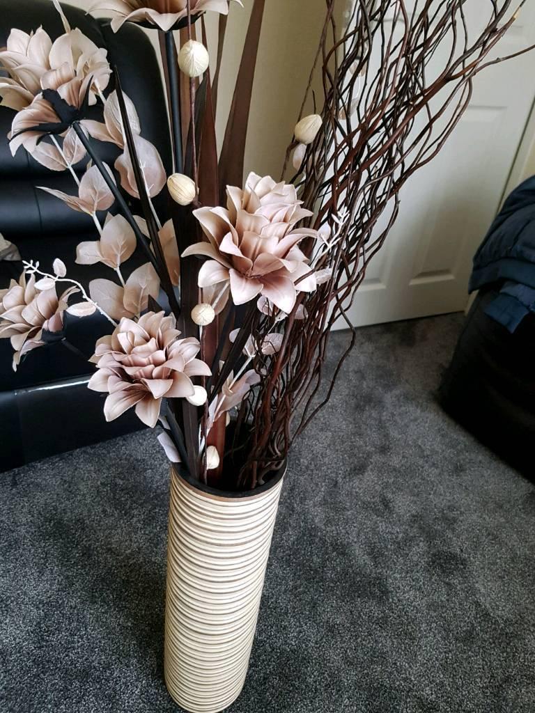 Beautiful Vase With Flowers In Blackburn Lancashire Gumtree
