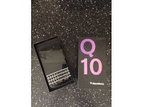 Q10 Blackberry - great condition, plus charger and user guide