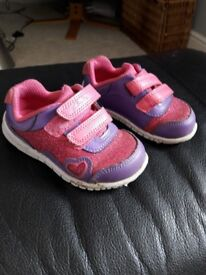 Size 4f trainer shoes