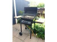 Gas BBQ with gas canister