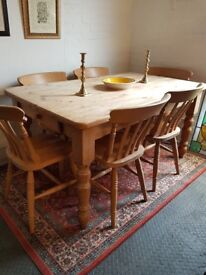 Lovely Large chunky kitchen solid pine country farmhouse table and 6 chairs