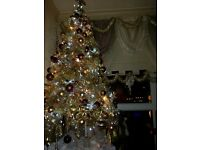 6ft pree lit xmass tree and decorations for it