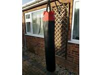 5ft good condition heavy punchbag