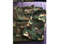 Adult small / teenager Camo trousers new.
