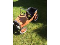 Vintage look kids peddle car