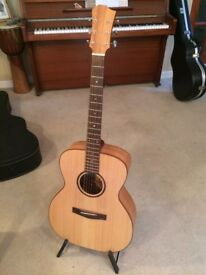Sean Clark acoustic guitar in spruce and cherry, luthier of Bristol. Hardly played, with hardcase.