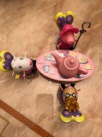 Peppa Pig tea party set and kitchen set