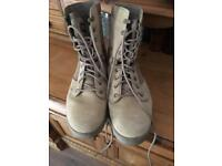 Men's MAGNUM desert boots size 8