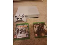 Xbox one s 500gb 2 games like new.