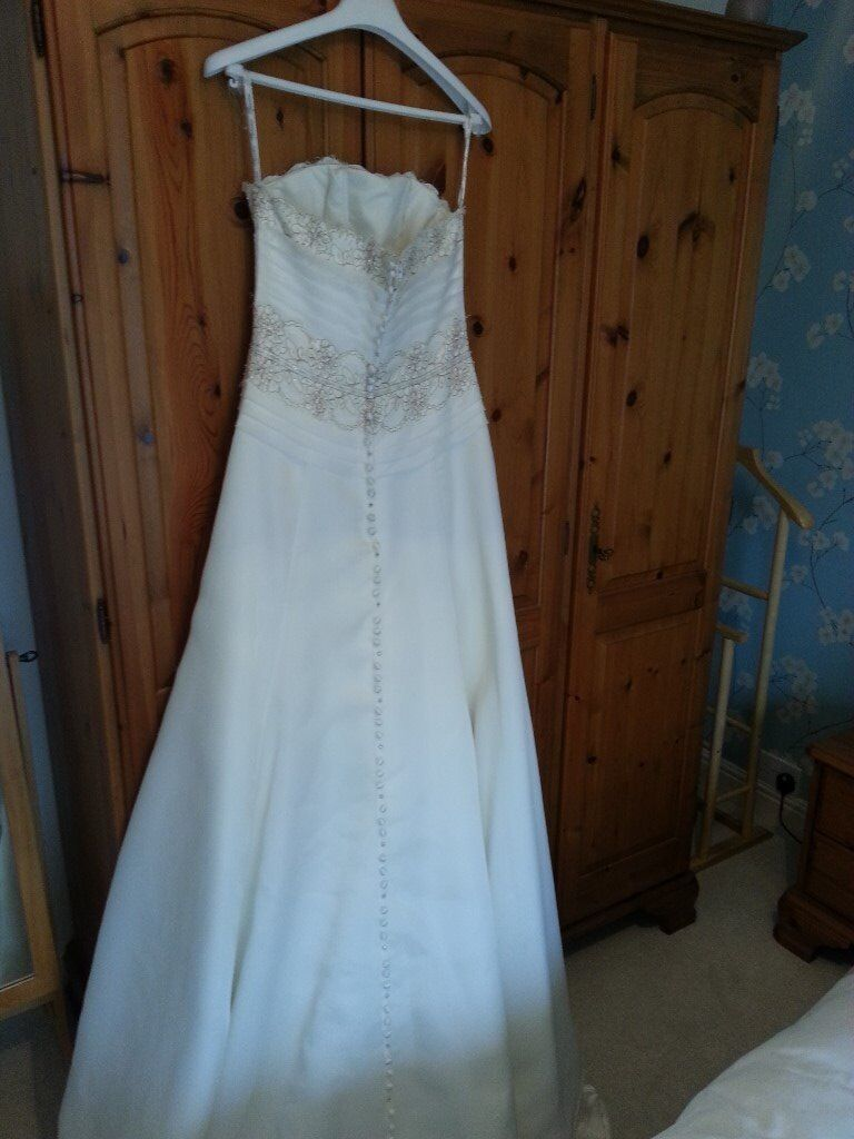 Outstanding Gumtree Wedding Dress Adornment - All Wedding Dresses ...