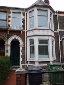 Lovely 4 double bedroom house in the popular area of The Heath