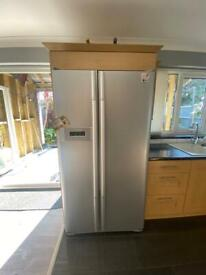 Oak laminate shaker kitchen doors hinges and handles