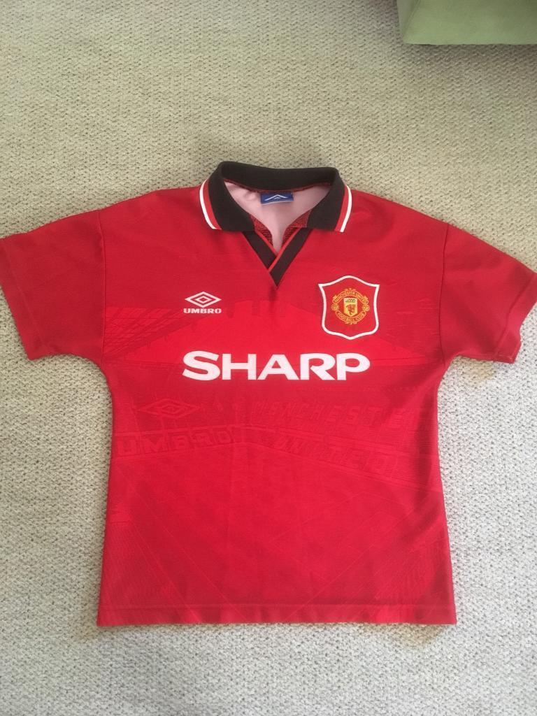 best sneakers 483fa ad6ea Man United Retro Football Shirts - DREAMWORKS