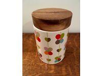 Ceramic sugar jar with acacia wood lid by Beau&Elliot