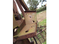 McConnel grab with basket fits on 3 point tractor linkage