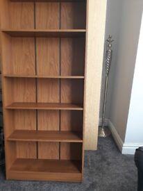 Good condition bookshelf with 4 shelves