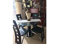 BEAUTIFUL GLASS TABLE & 4 LEATHER CHAIRS