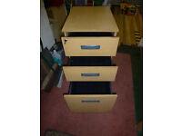 Oak effect 3 Drawer /Filing Cabinet / Desk Height Lockable with Key