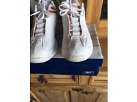 Men's Reebok trainers size 7 red and white