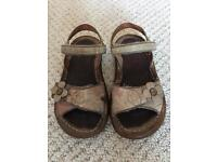 Girls leather sandals size 26 (uk 8)