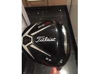 Titleist 915 D2 9.5 degree stiff