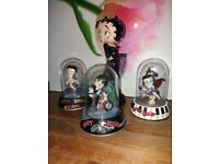 Betty Boop 'rare' collectable figurines (3 small 1 large)