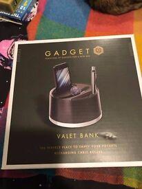 Gadget CO Valet Bank